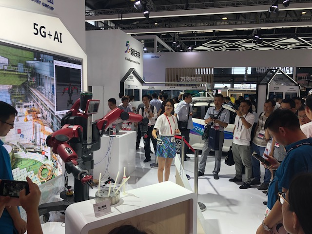 5G + robotics at MWCS 18.